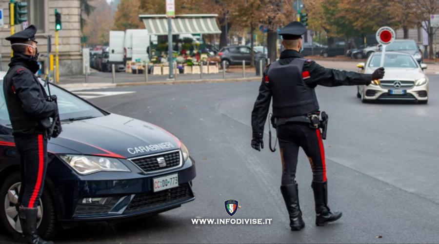 Evade dagli arresti domiciliari, sperona auto dei Carabinieri e fugge. Arrestato!