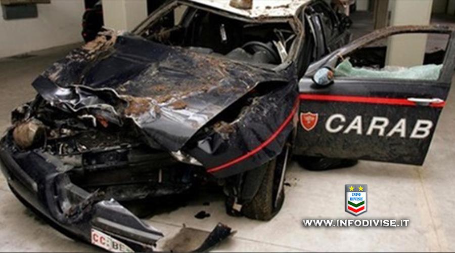 Napoli, scontro frontale durante l'inseguimento: due carabinieri in ospedale. Arrestati due pregiudicati