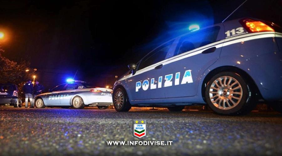 Polizia insegue auto con 6 rom e finisce fuori strada: 2 agenti feriti, nomadi fuggiti
