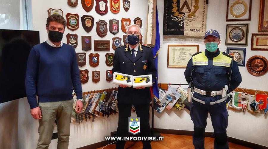 Udine, gli agenti della Polizia locale da martedì in servizio con il Taser
