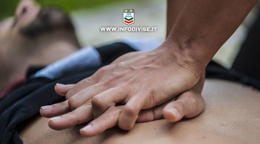 Roma, poliziotto libero dal servizio rianima cittadino del Ghana colto da infarto