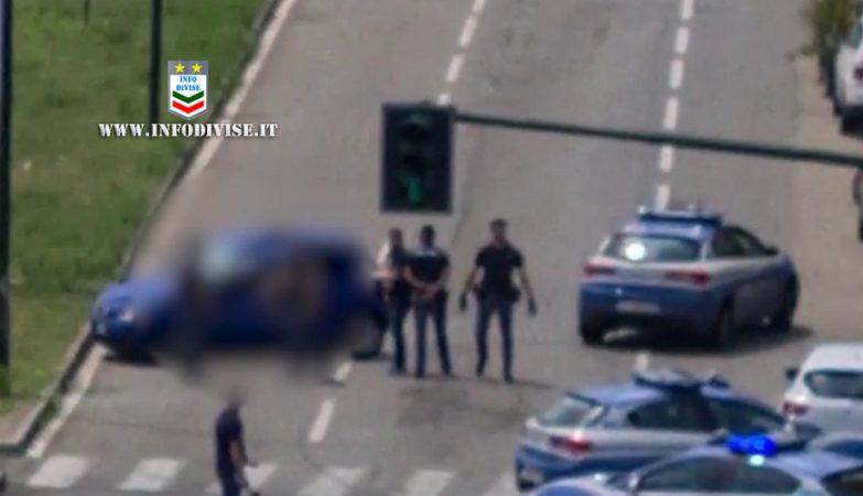 scappa dalla polizia Torino