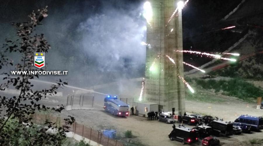 Attacco No Tav, i sindacati: pallottole di gomma alle Forze di Polizia e leggi sul terrorismo di piazza