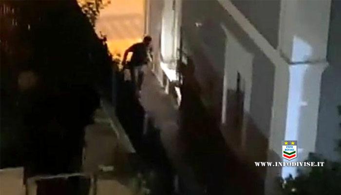 Pescara, furto in villa: la polizia circonda la casa e arresta i ladri (minorenni) – Guarda il video