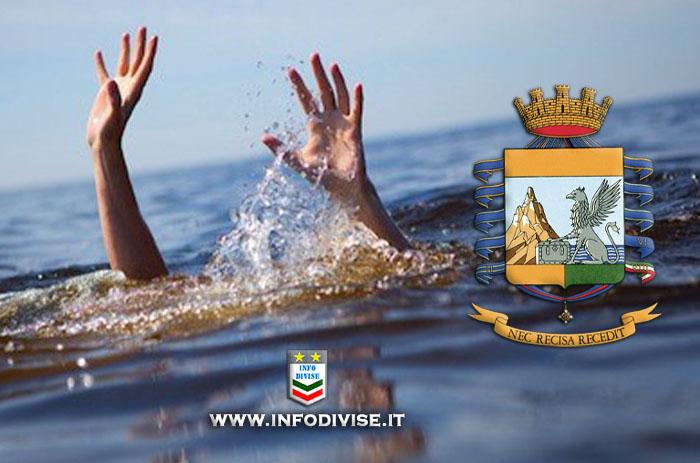 Trascinate dalle onde, rischiano di annegare. Finanziere libero dal servizio salva 3 donne