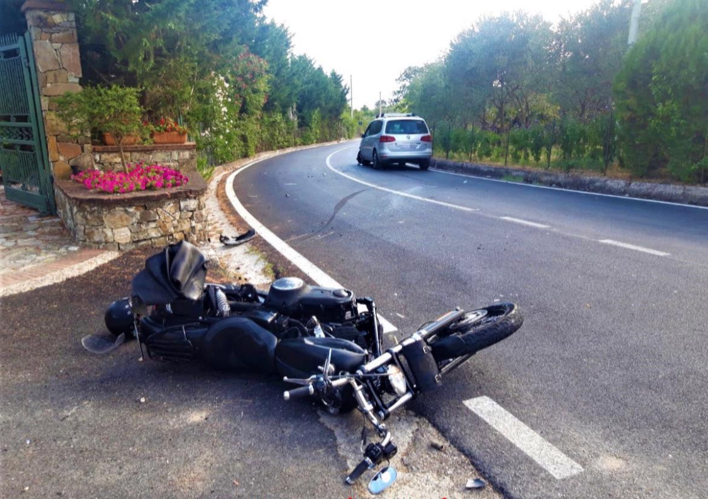 Scontro frontale auto-moto: grave un militare dell'Esercito italiano in servizio a Persano