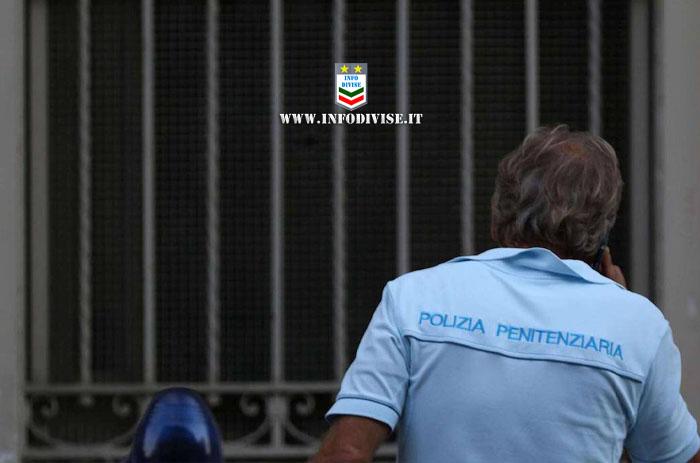 Poliziotto penitenziario gli chiede di indossare la mascherina nel locale, lui lo minaccia e chiama i carabinieri: denunciato