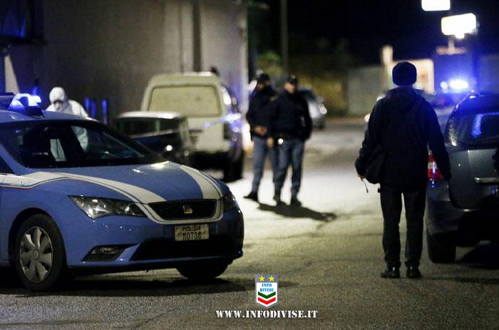Poliziotto libero dal servizio reagisce a tentativo di rapina: esplosi 3 colpi di pistola