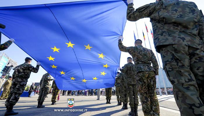 """Nasce l'Esercito dell'Unione Europea: """"Seimila militari e comando unico a Bruxelles"""""""