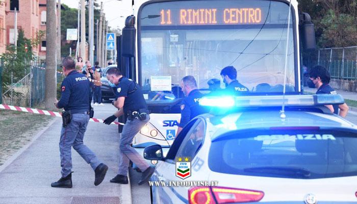 """Fuori pericolo il bimbo ferito nell'accoltellamento di Rimini. """"Sveglio e risponde ai genitori"""""""