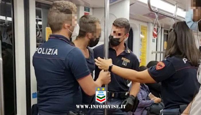 """Milano, passeggero in manette sulla metro. La polizia: """"l'uomo è stato sorpreso senza mascherina e ha dato in escandescenze mentre veniva sanzionato"""""""